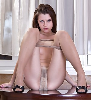 Free Pantyhose Teen Porn Pictures