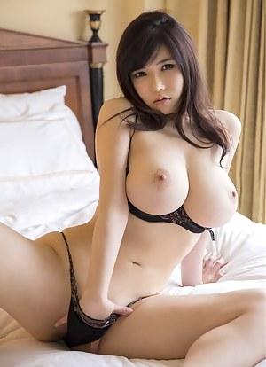 Pics busty porn