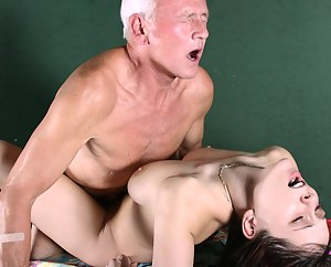 Free Teen Rough Sex Porn Pictures